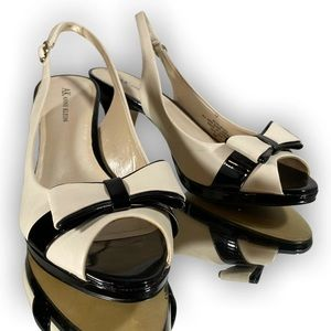 Black and Ivory Anne Klein Bow Pumps, Size 9